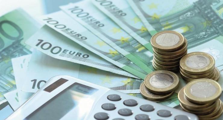 Salarios, fusiones y estímulos del BCE