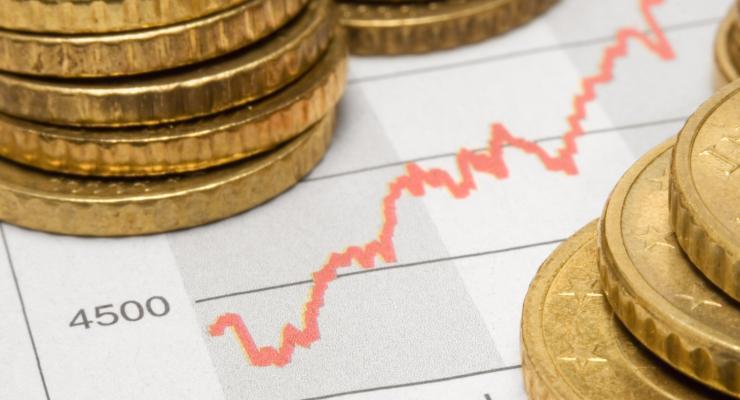 Los bancos españoles piden que se clarifique la normativa sobre las provisiones / La rentabilidad, objetivo prioritario de la banca / Sube el gasto en las pensiones